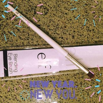 e.l.f. professional Blending Eye Brush uploaded by Natalia B.