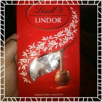 Lindt Lindor Milk Chocolate Truffle uploaded by Olivia M.