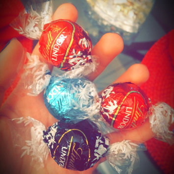 Photo of Lindt Lindor Stracciatella Chocolate uploaded by Jaylinne P.