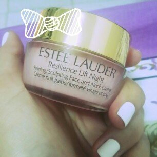Photo of Estée Lauder Resilience Lift Firming/Sculpting Face and Neck Creme SPF 15 uploaded by Johanmary S.
