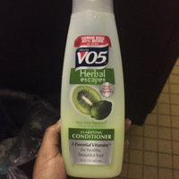 Alberto VO5 Herbal Escapes Clarifying Conditioner Kiwi Lime Squeeze uploaded by Yulisa J.