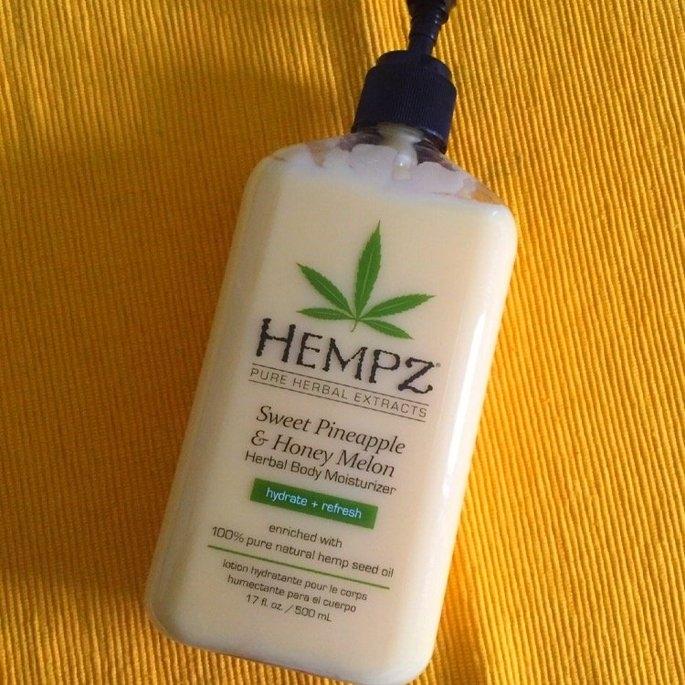 Hempz Sweet Pineapple & Honey Melon Moisturizer uploaded by Janna B.