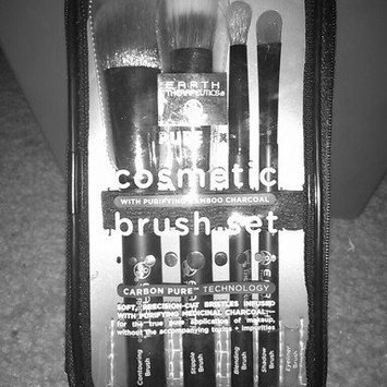 Earth Therapeutics Pure fx Cosmetic Brush Set (Black) uploaded by Haley H.