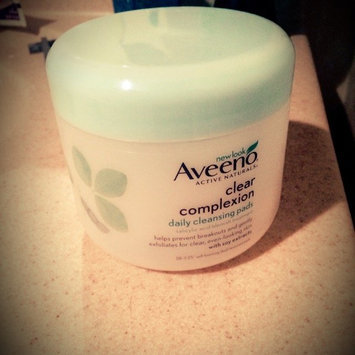 Aveeno Clear Complexion Daily Cleansing Pads uploaded by Dominique D.
