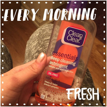 Photo of Clean & Clear Essentials Deep Cleaning Astringent uploaded by Britt Y.