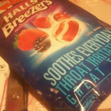 Halls Breezers: Cool Berry Non-Mentholated Pectin Throat Drops uploaded by Taylor B.
