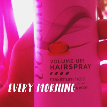 Photo of Pantene Pro-V Extra Strong Hold Hairspray uploaded by Damaris A.