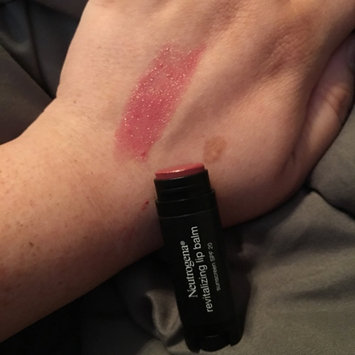 Neutrogena Revitalizing Lip Balm SPF 20 uploaded by Sarah R.