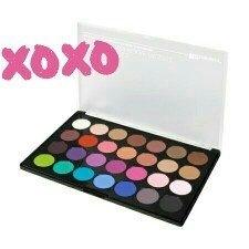 Modern Mattes - 28 Color Eyeshadow Palette uploaded by Daniela M.