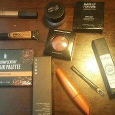Photo of MAKE UP FOR EVER Duo Mat Powder Foundation uploaded by Queen Esther S.