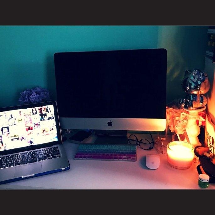 Refurbished Apple iMac 21.5
