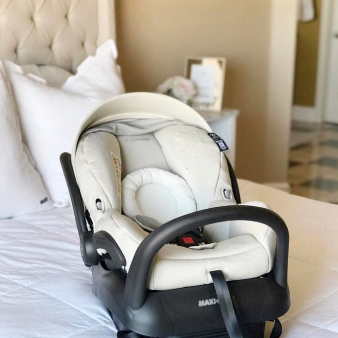 Maxi Cosi Mico 30 Infant Car Seat, Grey Gravel uploaded by Jeanette P.