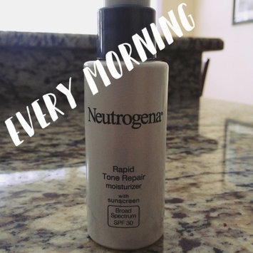 Photo of Neutrogena Rapid Tone Repair Moisturizer SPF 30 uploaded by JoAnn H.