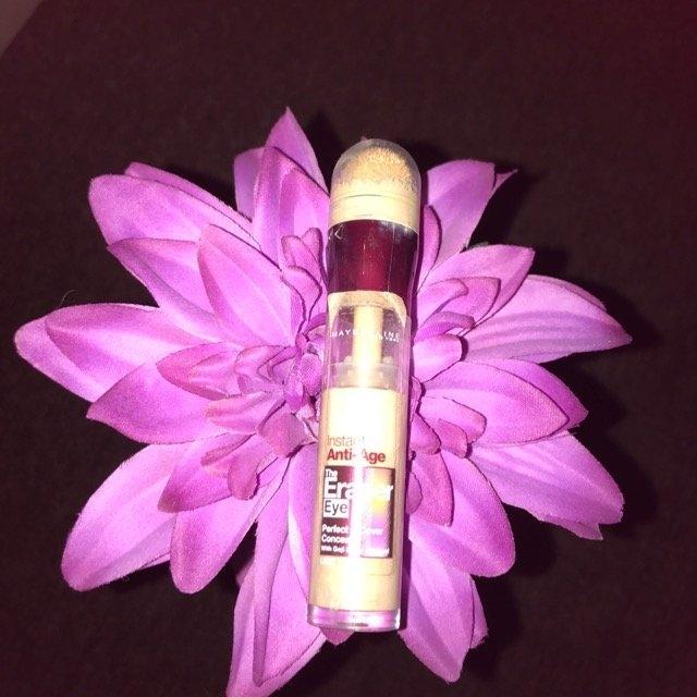 Maybelline New York Instant Age Rewind Eraser Treatment Makeup uploaded by Geraldine Q.