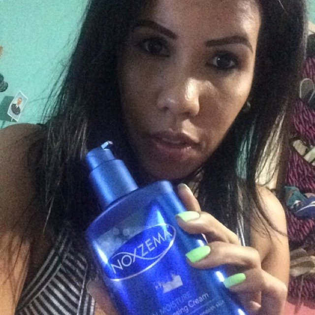Noxzema Clean Moisture Deep Cleansing Cream uploaded by Yoyce M.