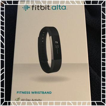 Fitbit 'Alta' Wireless Fitness Tracker, Size Small - Black uploaded by M M.