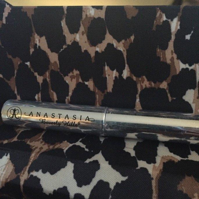 Anastasia Brow Gel For Eyebrow Control uploaded by Miriam V.