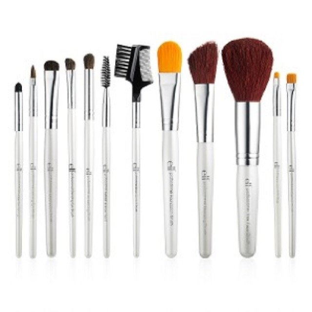 e.l.f. Cosmetics Brush Set (12 Piece) uploaded by jasheyla r.
