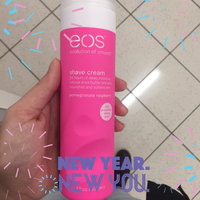 eos™ Ultra Moisturizing Shave Cream Pomegranate Raspberry uploaded by Chelsey L.