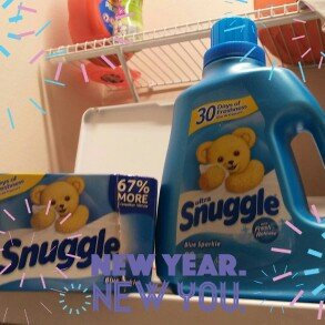 Snuggle Fabric Softener Sheets - Blue Sparkle - 40 CT uploaded by Rita G.