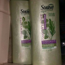 Photo of Suave Professionals Rosemary + Mint Shampoo uploaded by Angee L.