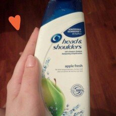 Head & Shoulders Green Apple Dandruff Shampoo uploaded by Romina Z.