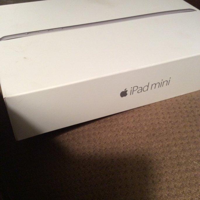Apple iPad mini 3 Wi-Fi 16GB - Space Gray uploaded by Amanda B.