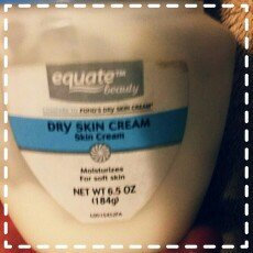 Photo of Equate Beauty Dry Skin Cream, 6.5 oz uploaded by brenda G.