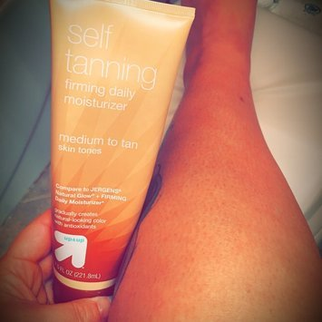 up & up Up & Up Natural Glow Daily Moisturizer - Medium to Tan Skin Tones - 7. uploaded by Skye B.