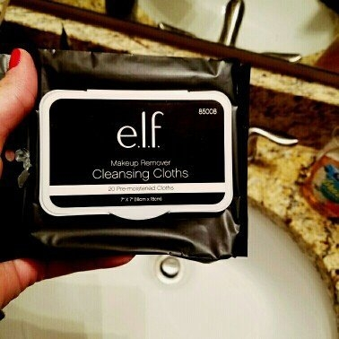 e.l.f. Studio Makeup Remover Cleansing Cloths uploaded by Lauren G.