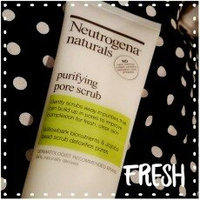 Neutrogena Naturals Purifying Pore Scrub uploaded by Kristin C.