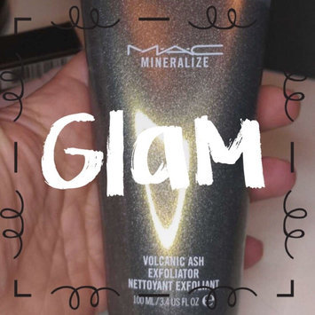 Photo of M-A-C Mineralize Volcanic Ash Exfoliator uploaded by Greisy C.