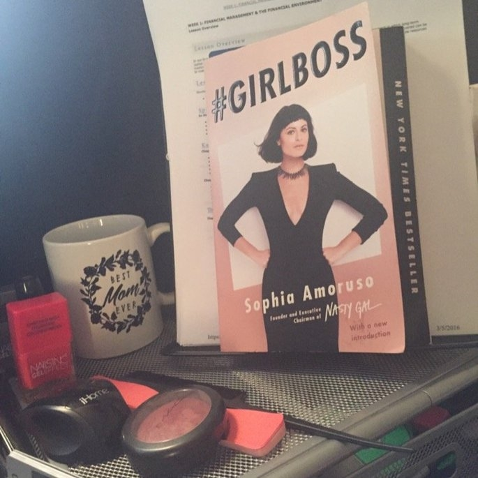 girlboss (Paperback) uploaded by Gwendaline M.