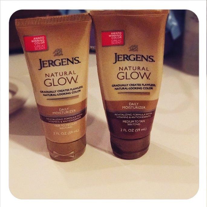 Jergens Natural Glow Daily Moisturizer Medium/Tan uploaded by Allison B.