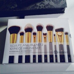 Photo of BH Cosmetics Sculpt and Blend 10 Piece Brush Set uploaded by Alejandra G.