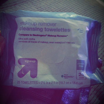 up & up Makeup Remover Cleansing Towelettes uploaded by Holly B.