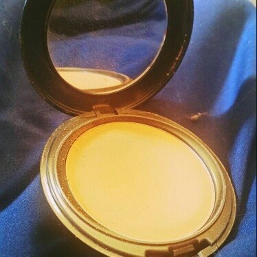 Cover FX Pressed Mineral Foundation uploaded by Sarah F.