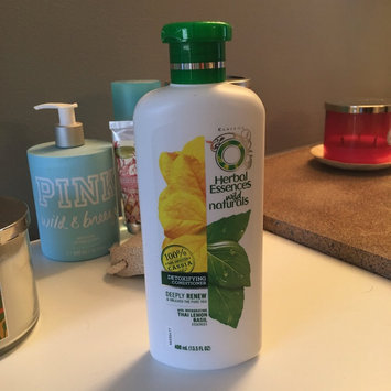 Herbal Essences Wild Naturals Detoxifying Conditioner uploaded by Laura C.