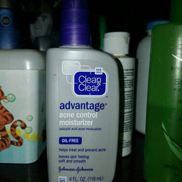 Clean & Clear Advantage Acne Control Moisturizer uploaded by Mercedes R.
