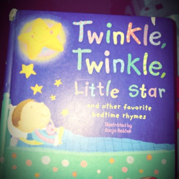 Photo of Twinkle, Twinkle, Little Star: And Other Favorite Nursery Rhymes (Padded Nursery Rhyme Board Books) uploaded by Kiana C.