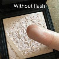 Givenchy Poudre Lumière Originelle - Soft Powder Radiance Enhancer 0.35 oz uploaded by Leslie N.