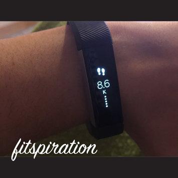 Fitbit 'Alta' Wireless Fitness Tracker, Size Small - Black uploaded by Gabriela Z.