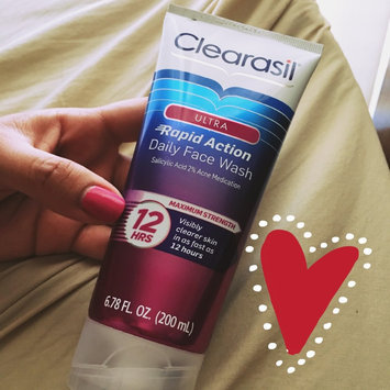 Clearasil Ultra Daily Face Wash Acne Medication uploaded by Hellen F.