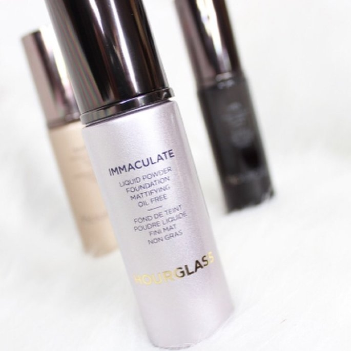 Hourglass Immaculate Liquid Powder Foundation uploaded by Kelly K.