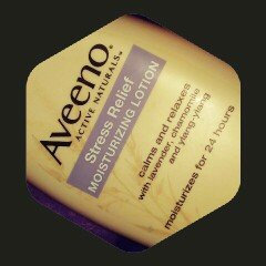 Photo of Aveeno Active Naturals Skin Relief with Soothing Oat Essence Moisturizing Lotion uploaded by eloweez t.