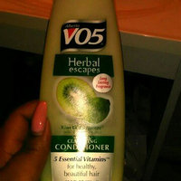 Alberto VO5 Herbal Escapes Clarifying Conditioner Kiwi Lime Squeeze uploaded by Veronica R.