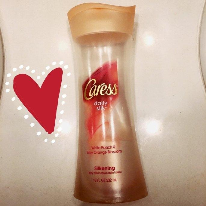 Caress® Scarlet Blossom™ Fine Fragrance Elixirs Body Wash uploaded by Alyssa A.