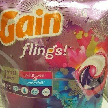 Gain Flings! Moonlight Breeze Laundry Detergent Pacs uploaded by Chelsey C.