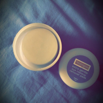 Photo of Neutrogena® Extra Gentle Eye Makeup Remover Pads uploaded by hayley T.