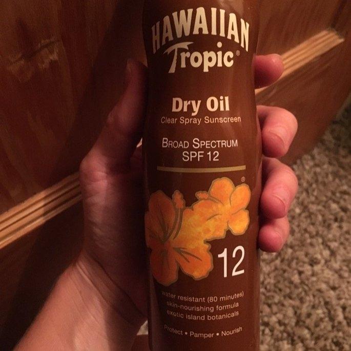 Hawaiian Tropic Dry Oil Clear Spray Sunscreen uploaded by Molly G.